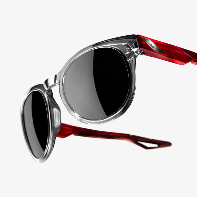 CAMPO – Polished Crystal Grey / Polished Crystal Red Temples – Smoke Lens
